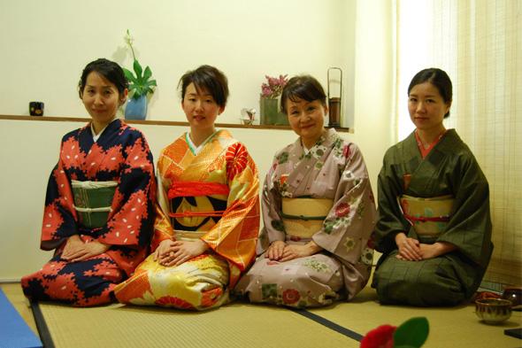 Eiko Kishi, maestra de ikebena y profesora de shodo y chado